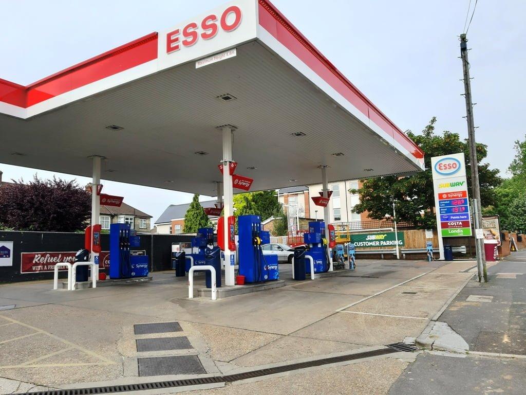 Esso Petrol Station - Chingford Hatch | Highams Park Portal